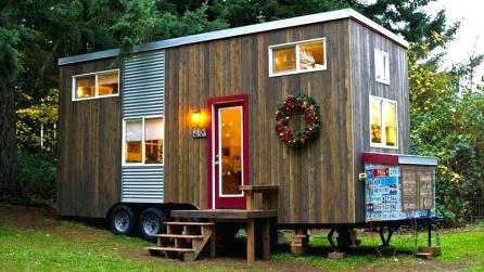 La piccola roulotte si trasforma in una casa piena di comfort