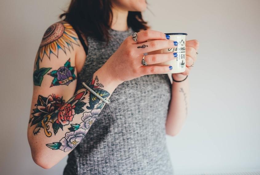 Conosciuto Tatuaggi con i fiori: le idee più belle da realizzare JA78