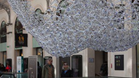 Più di 12.000 penne BIC per un lampadario futuristico