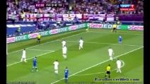 Inghilterra-Italia, il clamoroso palo di De Rossi