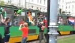 Tifosi di Irlanda e Croazia sullo stesso tram
