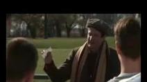"""Robin Williams insegna calcio e poesia ne """"L'attimo fuggente"""""""