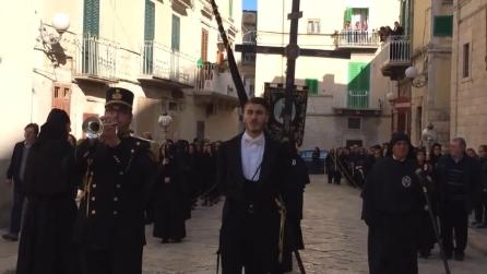 Il Ti-tee o pianto di Maria, durante la Processione dell'Addolorata a Molfetta.