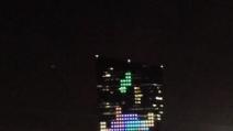 Partita di tetris su un grattacielo di Philadelphia