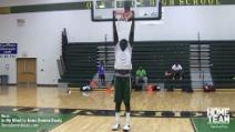 """Il cestista più alto d'America è alto 2 metri e 25 cm, ma """"è scarso"""""""