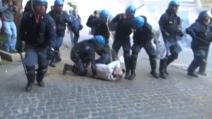 Roma, scontri e cariche al corteo per la casa
