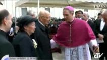 Giorgio Napolitano arriva in Piazza San Pietro