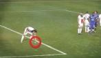 Lanciano le noccioline ad Ibrahimovic, lui non fa una piega e le mangia