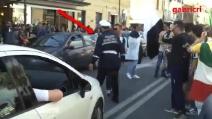 Scudetto Juve, vigile urbano ferma i festeggiamenti dei tifosi in strada