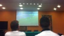 I giocatori della Juve guardano Catania-Roma in hotel
