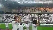I calciatori della Juventus entrano in campo per la festa Scudetto