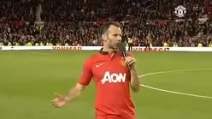 Ryan Giggs saluta l'Old Trafford, non sarà più un calciatore del Manchester United