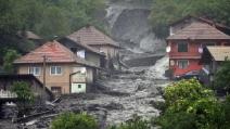 Alluvione Balcani, bilancio vittime sale a 45