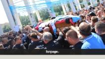 I funerali del tifoso Ciro Esposito: in migliaia a Scampia