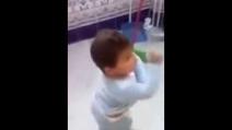 Ha solo 3 anni, ma balla il flamenco come Joaquín Cortés