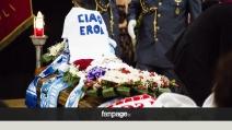 Ciro Esposito torna a Scampia. Dolore e commozione alla camera ardente