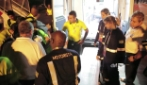 I compagni di squadra consolano Neymar uscito dall'ospedale