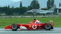 Michael Schumacher contro un jet, ecco l'incredibile sfida