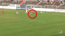 In Germania il gol involontario più clamoroso che ci sia