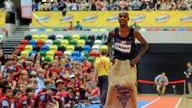 Nuovo record del mondo di Mo Farah sui 100 metri, ma è corsa con i sacchi