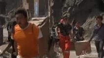 Cina, scosse d'assestamento dopo il sisma di venerdì: le vittime salgono a 81