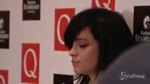Lily Allen sostiene il diritto delle donne all'aborto