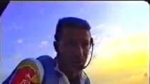 Felix Baumgartner salta dalla mano del Cristo Redentore di Rio de Janeiro