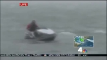 Sotto l'uragano con una moto d'acqua