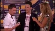 Vince il Grande Fratello australiano e fa la proposta di matrimonio al suo fidanzato