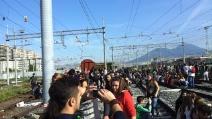 #14n Napoli: studenti occupano la stazione centrale
