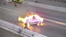 Auto s'incendia a quasi 500 km/h