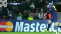 Leo Messi esce in barella: infortunio per l'asso argentino