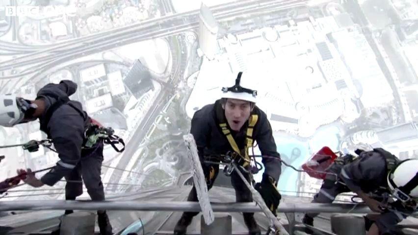 Il lavavetri del grattacielo pi alto del mondo for Grattacielo piu alto del mondo