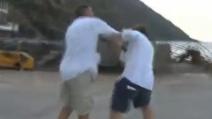 Barbareschi picchia il giornalista de Le Iene. Censurato in tv