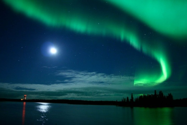 Aurora boreale in canada spettacolo mozzafiato for Sfondi aurora boreale