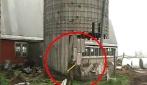 Ragazzo travolto dalle mura di un silo