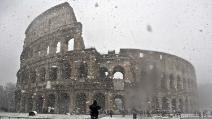 A Roma mezzi spargisale. Tutto pronto: manca solo la neve