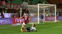 """Il rigore """"dubbio"""" fischiato da Valeri in Milan-Udinese"""