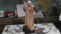 Ratzinger con la valigia in mano è già pronto per il presepe del 2013