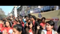 India, flash mob per la giornata mondiale del preservativo