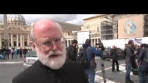 """Conclave, fedeli a San Pietro in attesa della """"fumata bianca"""""""