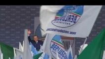 """Il popolo di Berlusconi in piazza a Roma: """"Silvio onnipotente"""""""