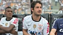 Gol e infortunio di Pato in Corinthians-Tijuana 3-0 di Copa Libertadores
