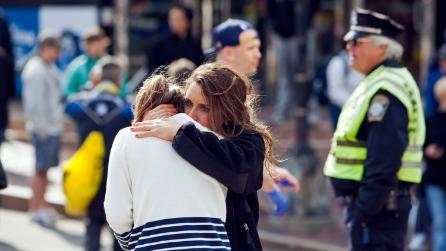 Le drammatiche immagini delle esplosioni alla maratona di Boston
