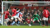 Lo straordinario gol di Aguero in Manchester United-Manchester City 1-2 08.04.2013