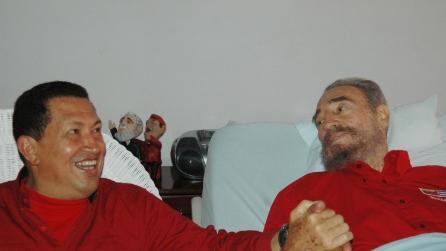 Fidel Castro ricorda Hugo Chavez e si commuove