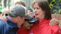 Esplosione alla maratona di Boston, corridore riprende lo scoppio