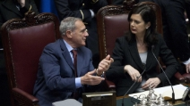 Burloni in Parlamento: c'è chi vota Michele Cucuzza, Trapattoni e Rocco Siffredi