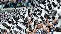 La Juventus vince lo Scudetto e i tifosi fanno invasione