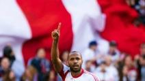 Fantastico gol in sforbiciata di Thierry Henry